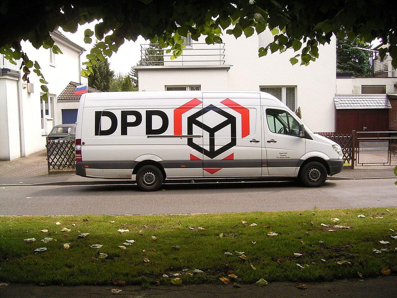 1280px-DPD_01_ies